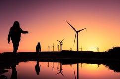 Generatori eolici ad un parco eolico Immagine Stock Libera da Diritti