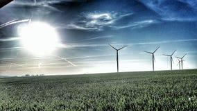 Generatori eolici e sole immagine stock libera da diritti