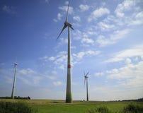 Generatori eolici - fonti di energia alternative Immagini Stock Libere da Diritti