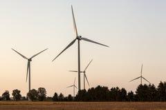 Generatori eolici su un parco eolico Fotografia Stock