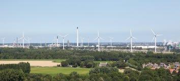 Generatori eolici vicino a Rotterdam fotografie stock libere da diritti