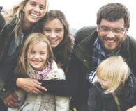 Generazioni della famiglia che Parenting concetto di rilassamento di unità immagini stock libere da diritti
