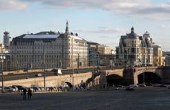 Genere dal quadrato rosso sul fiume Mosca fotografia stock libera da diritti