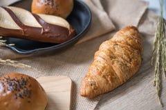 Generi differenti di pane nella cucina fotografia stock