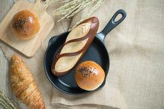 Generi differenti di pane nella cucina Immagini Stock Libere da Diritti