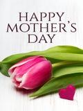 Generi la carta del giorno del ` s con il fiore del tulipano ed il piccolo cuore Immagini Stock Libere da Diritti