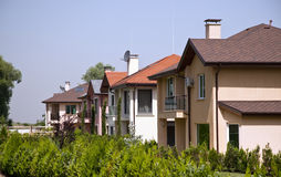 Generische familiehuizen in de voorsteden Royalty-vrije Stock Fotografie