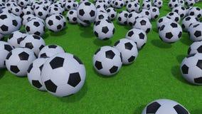 Generische Fußballbälle, die auf grünes Gras rollen und aufprallen Wiedergabe 3d Lizenzfreie Stockfotos