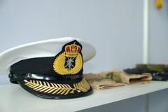 Generische van het Marinehoed/leger kappen bij vertoning royalty-vrije stock foto's
