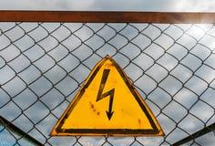 Generisches Hochspannungswarnschild, Symbol Stockfoto
