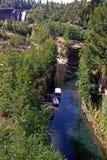 Generisches Segeln entlang chilenischem Fluss Lizenzfreie Stockbilder