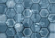 Generisk blått- och grå färgaffärsbakgrund med suddig stadshorisont och samkopiering av polygoner arkivfoton