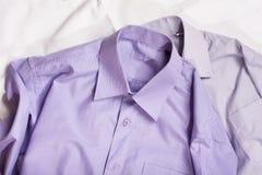 Generisk skjorta två med en linje modell, closeup Arkivfoton
