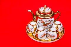 Generisk teservis för traditionell kines som används i bröllopteceremoni arkivbild