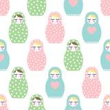 Genesteld poppen naadloos patroon Leuke houten Russische pop - Matrioshka Royalty-vrije Stock Afbeeldingen