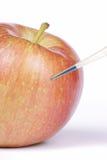 Genetisch wijzigt een appel Stock Foto
