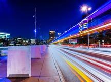 Geneva på natten. Arkivfoton