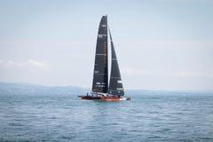 Geneva/Schweiz - 10 06 2018: Bol D ` eller för geneva D35 för regattaSchweiz sjö för Okalys saling fartyg projekt ungdom Arkivbilder