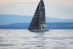 Geneva/Schweiz - 10 06 2018: Bol D ` eller geneva D35 M1 för regattaSchweiz sjö segelbåt Racing Django Royaltyfria Bilder