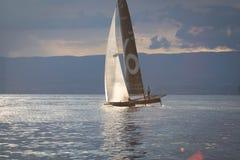 Geneva/Schweiz - 10 06 2018: Bol D ` eller regattaSchweiz M2 segelbåt Petercam Degroof Arkivfoton