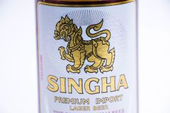 Geneva/Schweiz - 11 06 2018: Singha för berömt thailändskt öl högvärdig import Thailand arkivfoton