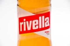 Geneva7Switzerland- 16 07 18: Schweizer Sodagetränk Rivella gemacht von der Milch lizenzfreie stockbilder