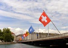 Genewa Szwajcaria, Czerwiec, - 05, 2017: Szwajcar flaga i flaga gen Obraz Royalty Free