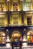 Genewa, Szwajcaria 09/ 09 18: Metropole luksusu fantazi nocy hotelowy Lemański światło obraz royalty free