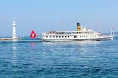GENEWA SZWAJCARIA, WRZESIEŃ, - 07: Pływa statkiem łódkowatego Rhone na Jeziornym Genewa w Genewa, Szwajcaria (Lac Leman) Zdjęcia Royalty Free