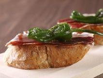 Genezen Ham en Peper âMontaditoâ. Royalty-vrije Stock Afbeeldingen