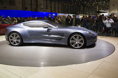 Genf-Autoausstellung - Aston Martin einer 77 Lizenzfreies Stockfoto
