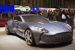 Genf-Autoausstellung - Aston Martin einer 77 Stockbilder