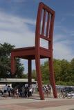 Genf die Schweiz das Platz-DES-Nationen iand der defekte Stuhl Lizenzfreies Stockbild