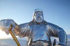 Genghis Khan med legendariskt guld- piskar Statykomplex, Mongoliet royaltyfri bild