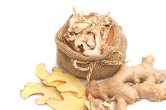Gengibre fresco e seco, erva asiática Imagens de Stock