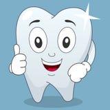 Genialny zębu charakter z aprobatami Fotografia Stock