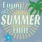 Genießen Sie das Sommerzeit-Weinleseplakat Stockbilder