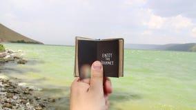 Genießen Sie die Reise - Reise- und Ferienkonzept stock footage