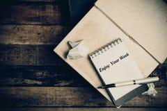 Genießen Sie Ihre Woche auf Briefpapier Lizenzfreies Stockfoto