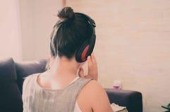 Genießen von Musik Lizenzfreies Stockfoto
