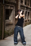 Genießen von Musik auf der Straße Lizenzfreies Stockbild
