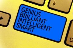 Genio Smart inteligente brillante de la escritura del texto de la escritura Concepto que significa el teclado brillante listo KE  imagen de archivo libre de regalías