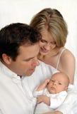 Genitori con il bambino appena nato Fotografie Stock Libere da Diritti