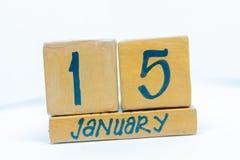 15 gennaio Giorno 15 del mese, calendario su fondo di legno Orario invernale, concetto di anno immagini stock libere da diritti