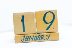 19 gennaio Giorno 19 del mese, calendario su fondo di legno Orario invernale, concetto di anno fotografie stock libere da diritti