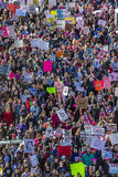 21 GENNAIO 2017, LOS ANGELES, CA Una vista aerea di 750.000 partecipa marzo delle donne, ad attivisti che protestano Donald J Tru Fotografia Stock