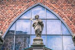21 gennaio 2017: Statue della chiesa tedesca di vecchia città o Fotografie Stock Libere da Diritti