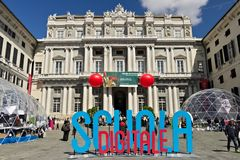 genoa Palazzo Ducale med Digital skolahändelse royaltyfri foto