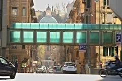 genoa Vägtrafik och fot- tunnel royaltyfria bilder