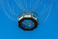 Genoegenvlucht door de vastgelegde ballon Royalty-vrije Stock Foto's